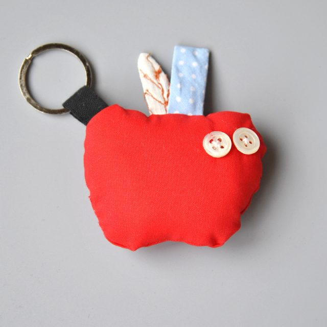 portachiavi a forma di mela handmade